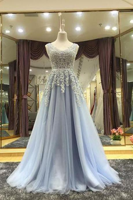 Princess A-Line V-Neck Tulle Floor-Length Prom/Evening Dress with Appliques