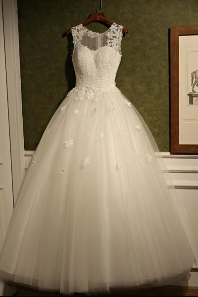 Floral Appliqués Sweetheart Illusion Tulle Wedding Gown